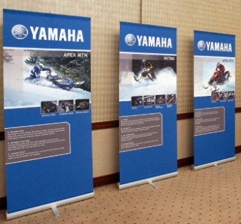 Promotional pull up roller Yamaha banner stand for display